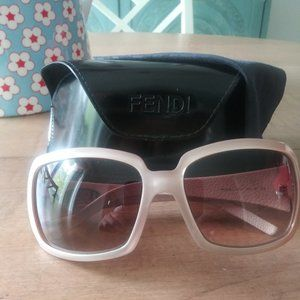 Fendi Sunglasses with case and cleaning cloth